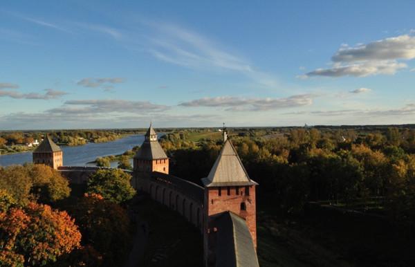Великий Новгород Княжая, Спасская и Дворцовая башни Кремля
