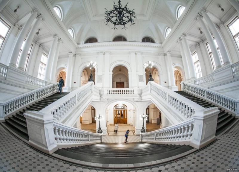 Белый зал политех