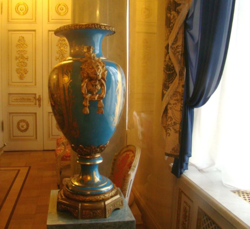 Юсуповский Лев ручка вазы