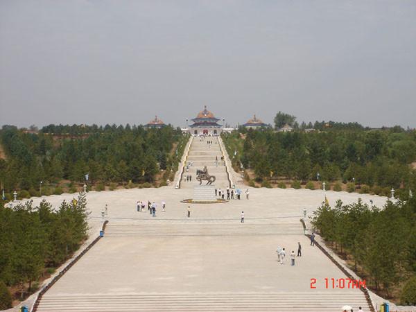 Чингисхан мавзолей