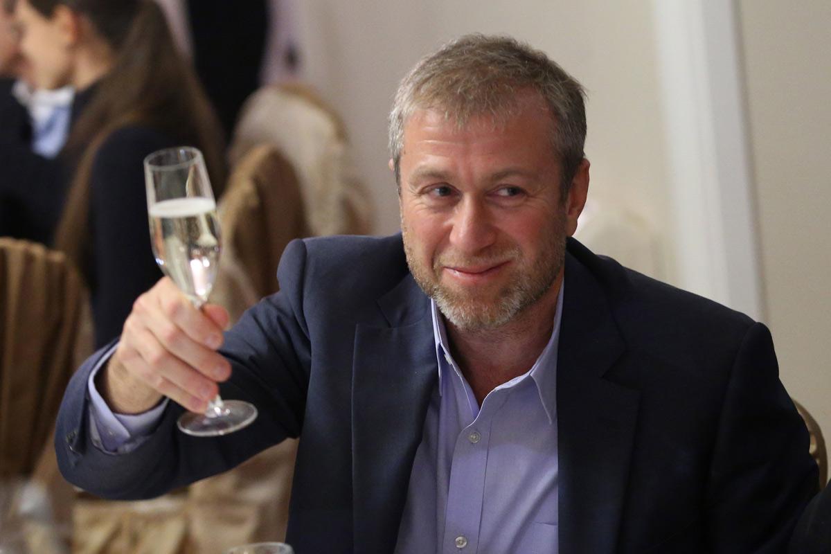 Для чего бизнесмену в России нужна жена?