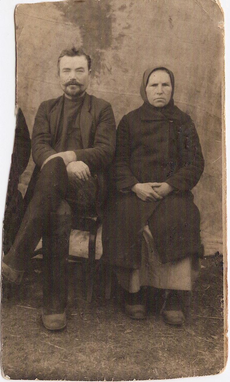 Новосёлов Алексей Максимович и его супруга Лидия в девичестве Кислицына