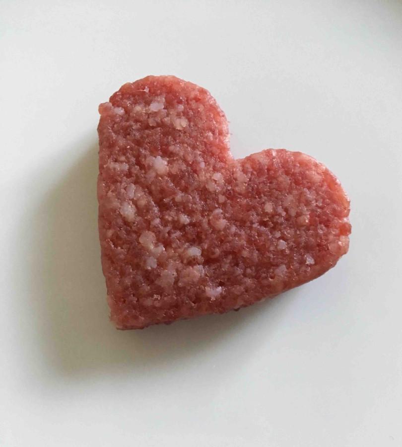 Luftgetrocknete Salami  in Herzform