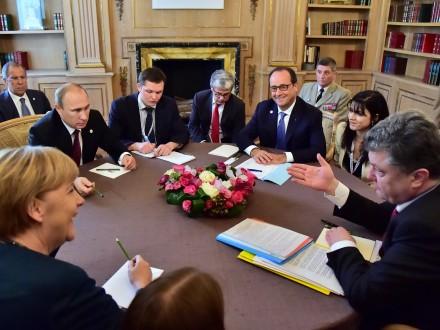 ukraine-krise-diplomatie-offensive-von-merkel-und-hollande