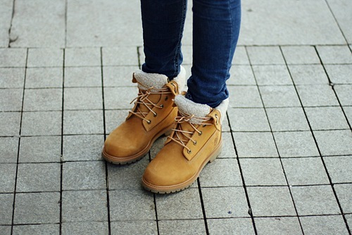 Песня Эти Желтые Ботинки