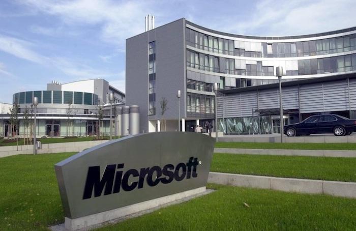 Microsoft-Invests