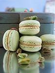 pistachio macarons (4)