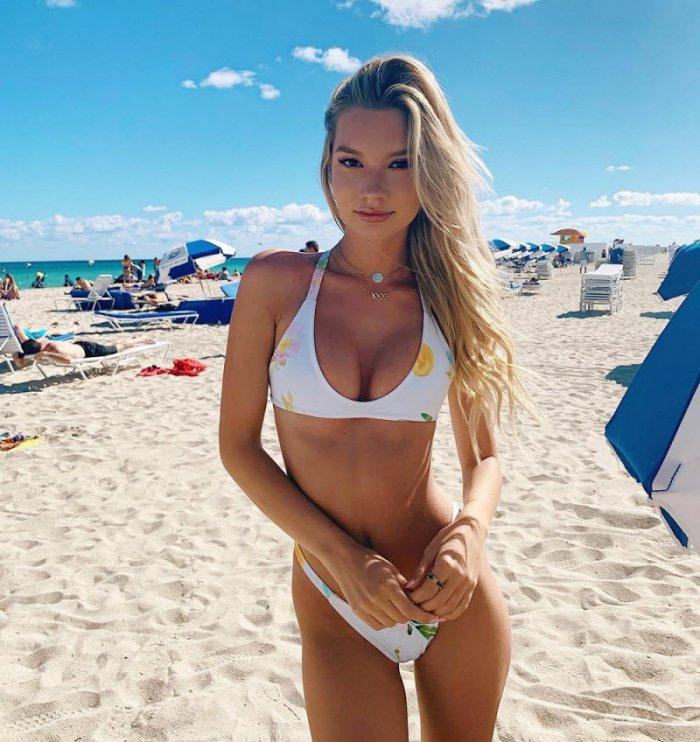 devushki_v_bikini_27_foto_3.jpg