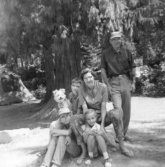 family at Lake Blaine