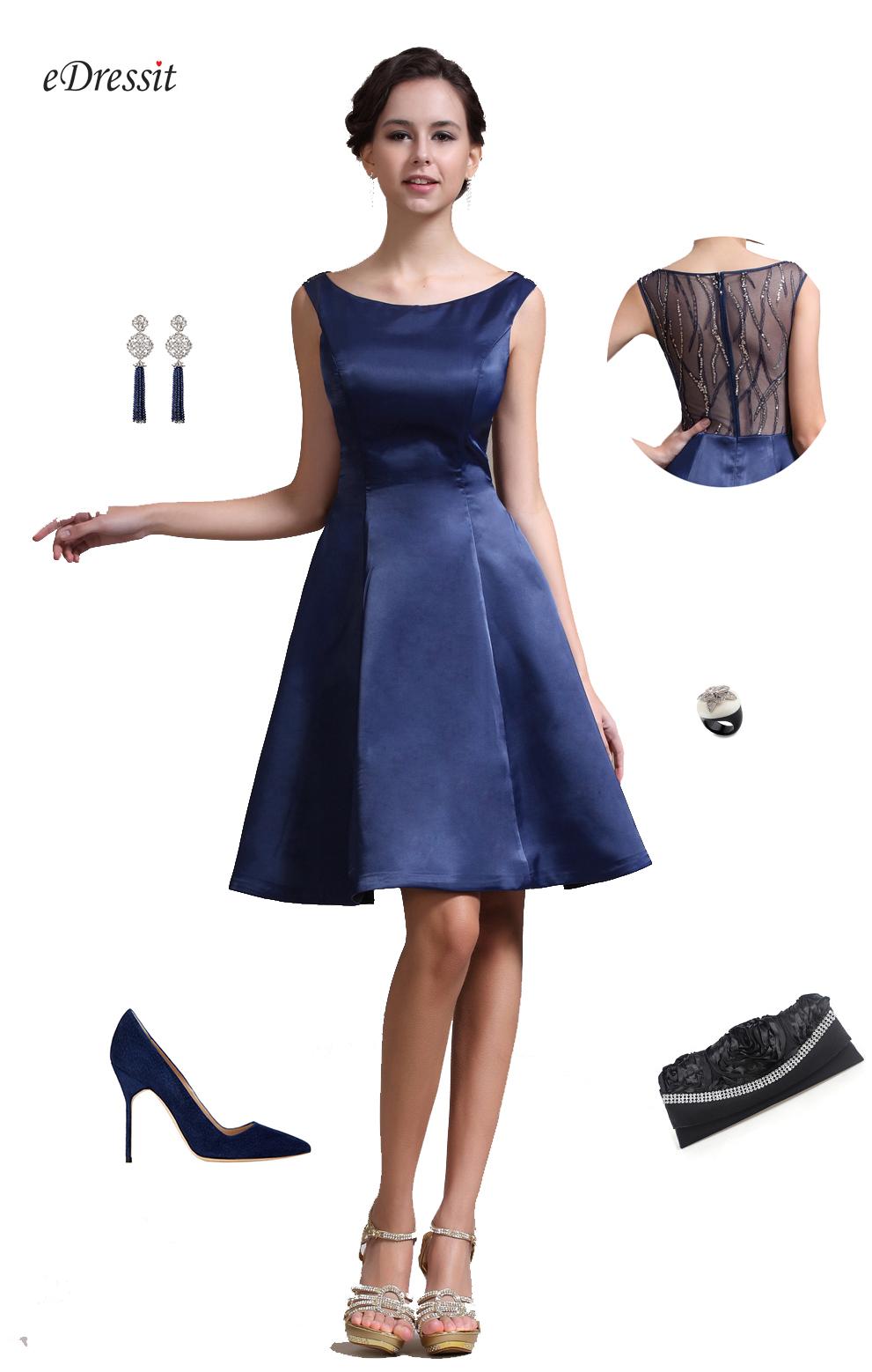 7238122223d Petite robe bleue robe courte décolleté