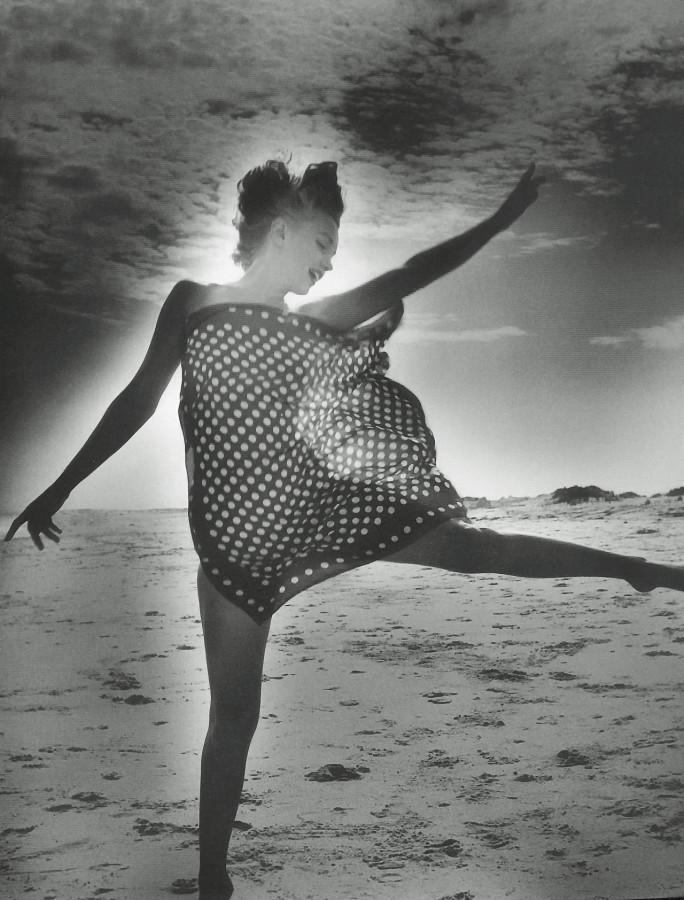 Marilyn Monroe photographed by Andres De Dienes in 1949