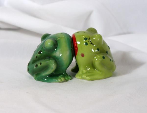 00-Frog-Love
