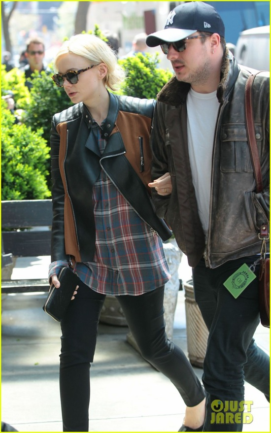 carey-mulligan-marcus-mumford-east-village-twosome-06