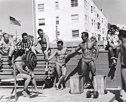 На пляже Венис Бич. Золотые времена бодибилдинга