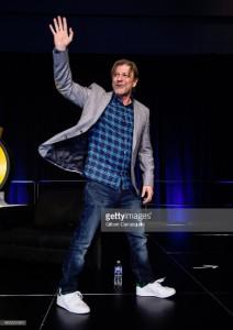 Sean Bean attends the 2018 Wizard World Comic Con (3)