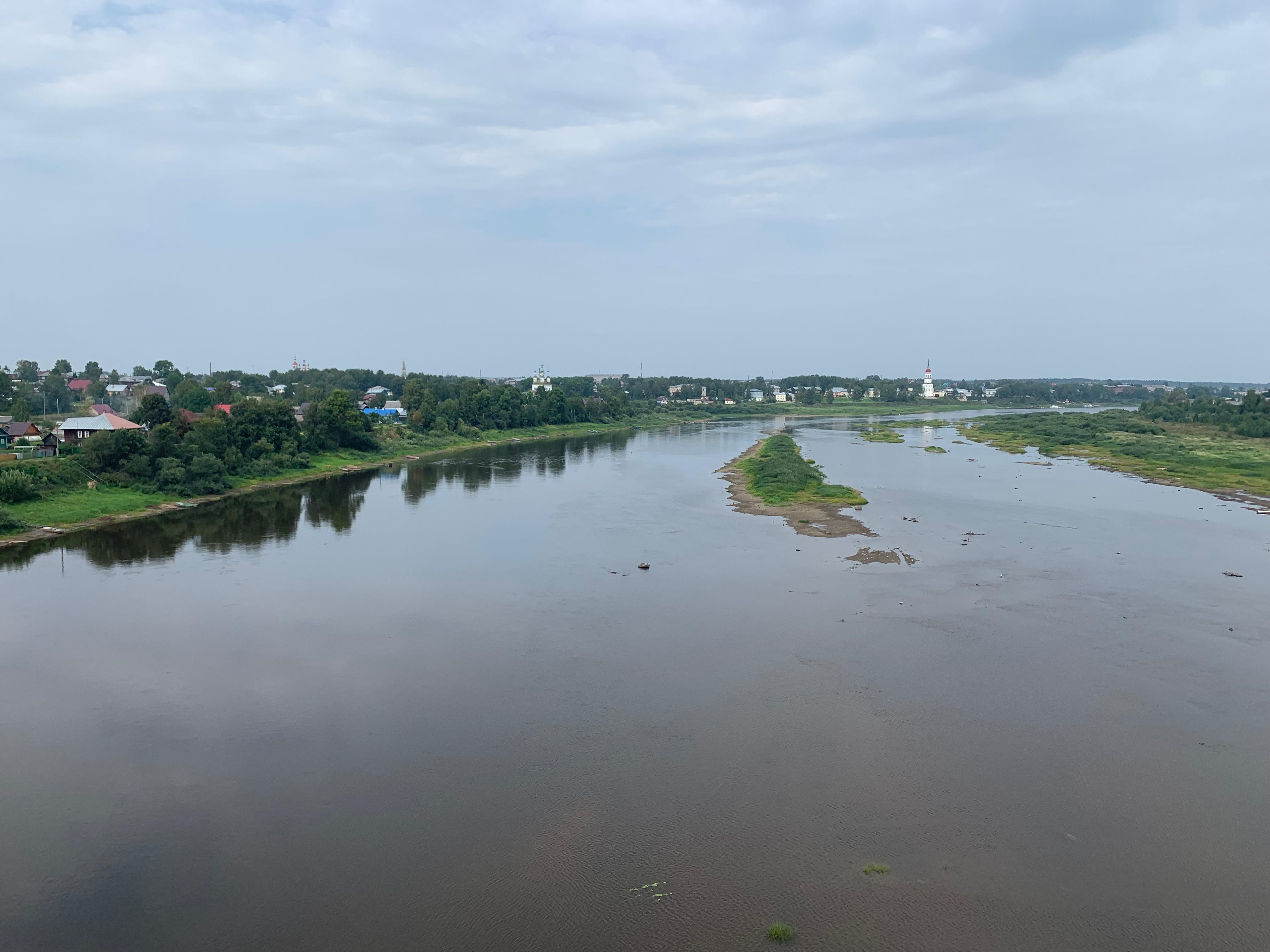 Тотьма. Вид с моста через Сухону.