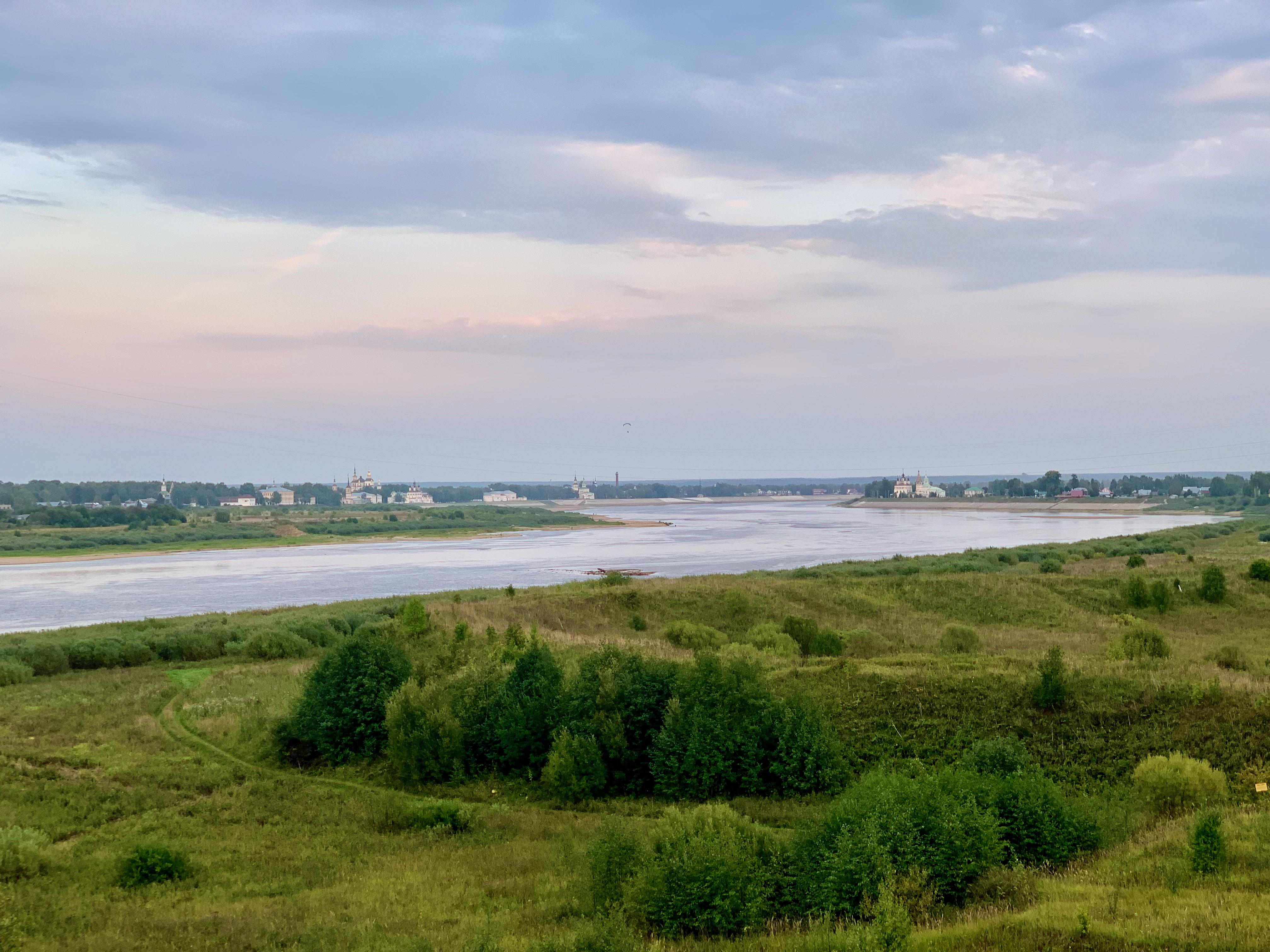 Вид на Великий Устюг с моста через Сухону.