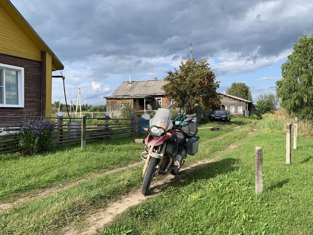 Улица деревни Горелый Ыб.