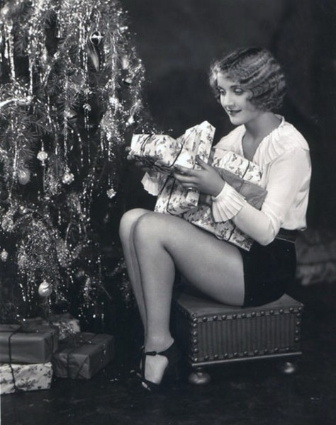 Carole Lombard and friends celebrate Christmas - c. late 1920s2