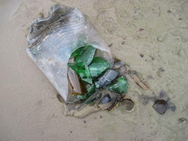 Стекло на пляже