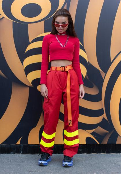 Рабочая одежда и спорт: что носили гости выставки Faces & Laces в Москве