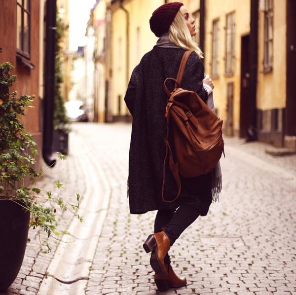 eaae88db5541 Рыжий замшевый рюкзак-мешок здесь. кожаный рюкзак-торба расцветки под зербу.