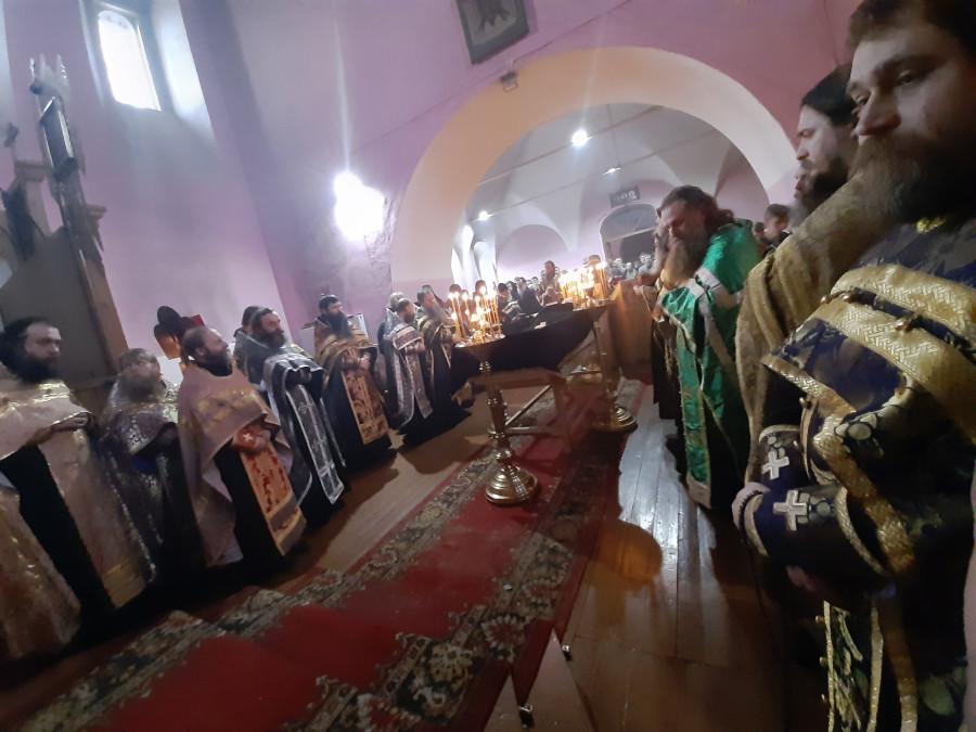 04.02.20 Владимир погребение о.Иоанна Думнова.jpg