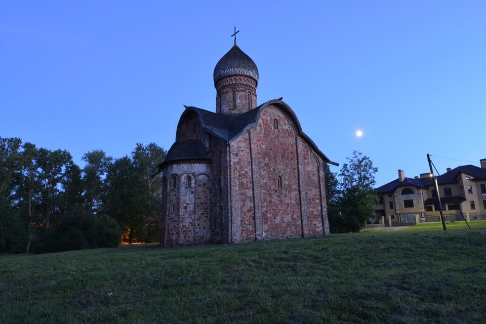 Петра и Павла в Кожевниках белая ночь.jpg
