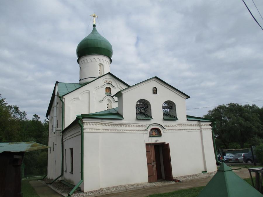 Храм св. Иоанна Богослова на Витке в Великом Новгороде.jpg