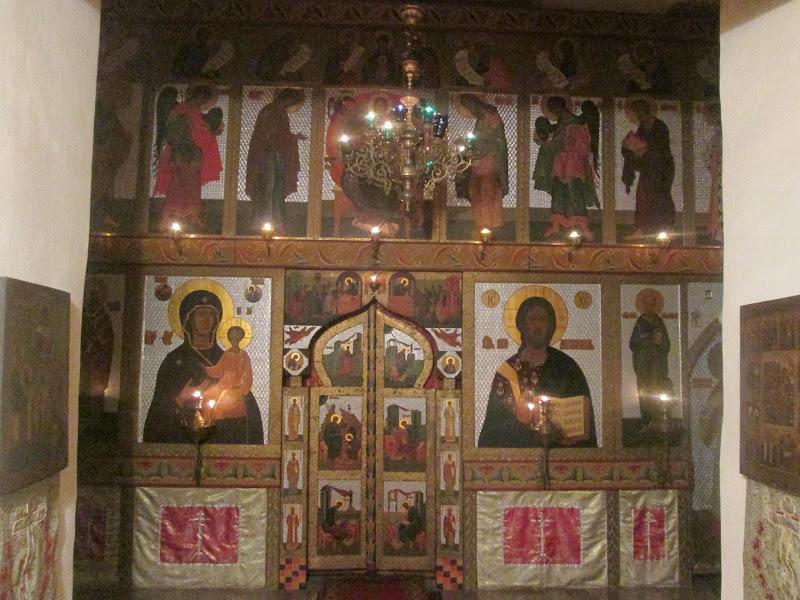 Современный иконостас в храме св. Иоанна Богослова на Витке.JPG