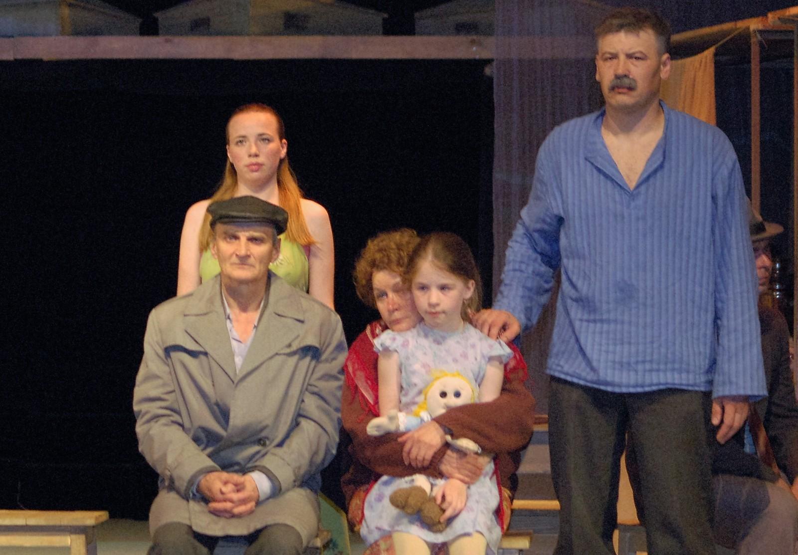 Влентин Распутин на премьере