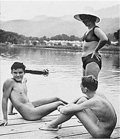 Голые пловцы без трусов фото 533-540