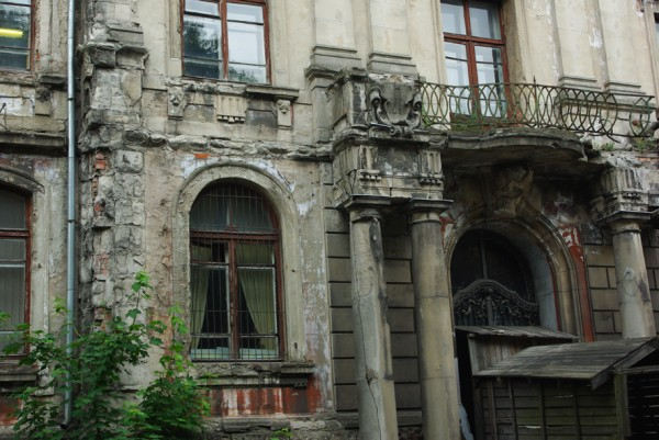 http://ic.pics.livejournal.com/o_kallipiga/23565446/19490/19490_600.jpg