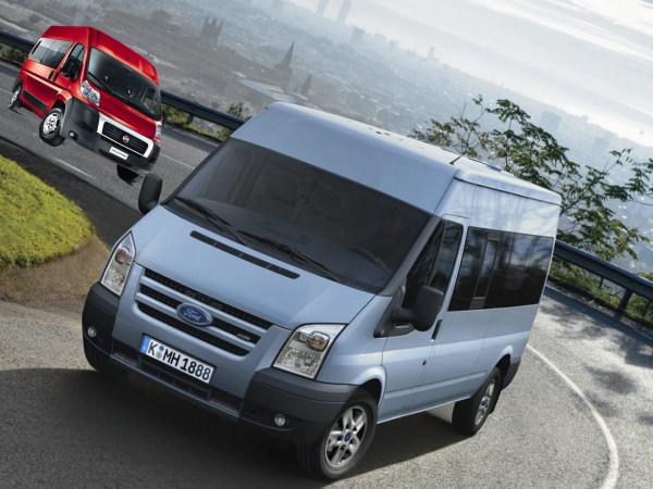 Ford_Transit_Minibus