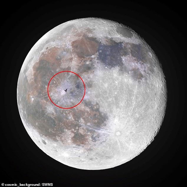 Астрофотограф Эндрю Маккарти сделал снимок станции, которая находится на орбите в 400 км над Землей, находясь на обочине дороги в Сакраменто, Калифорния.