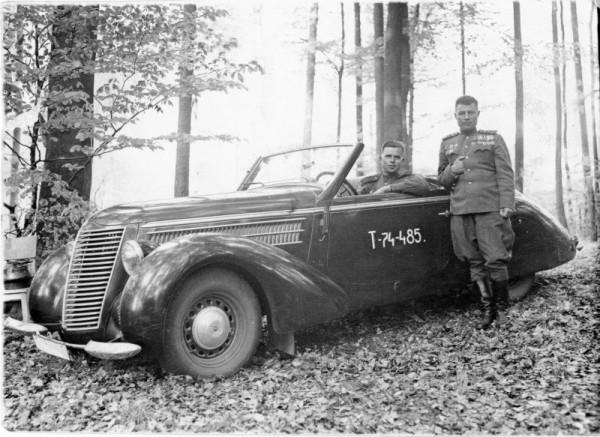 Trophy_Car-03