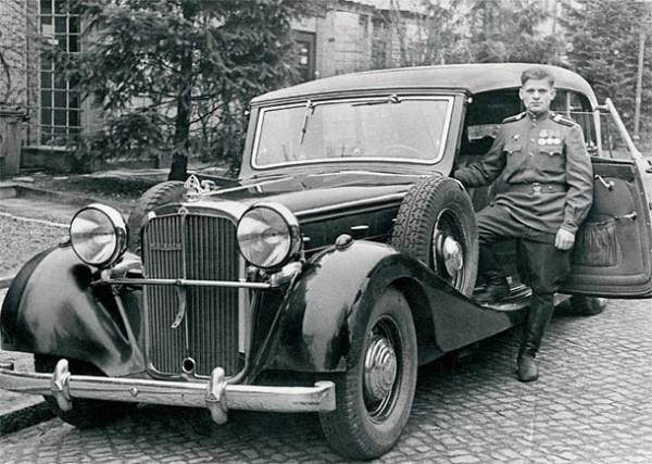 Trophy_Car-04