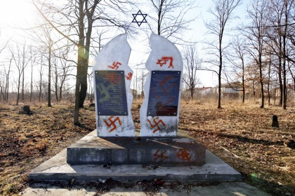 Holocaust_in_Poland-06