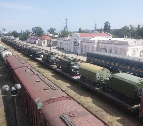 Crimean_roadblock-3