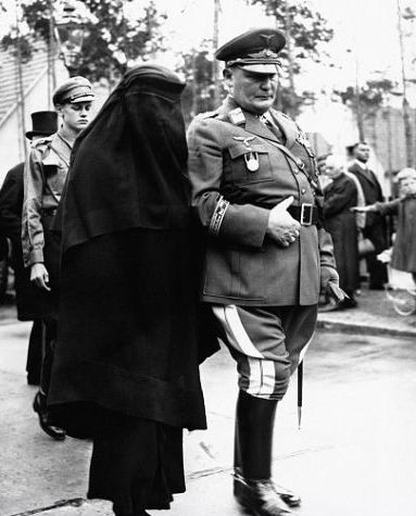 Hermann_Göring_Height-01