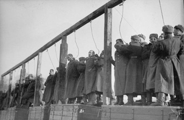 Public_execution_Kiev-03