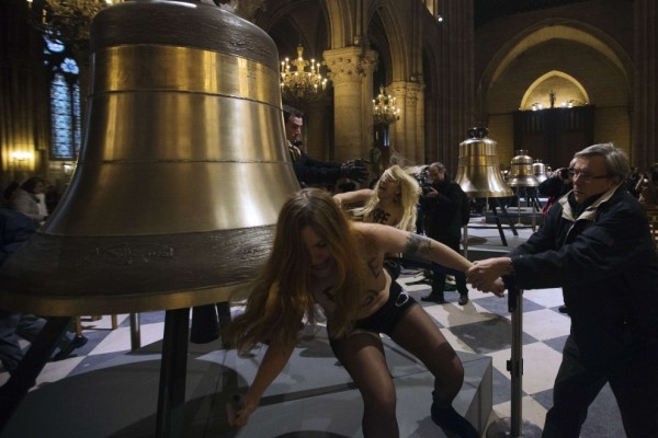 femen-tribunal_05