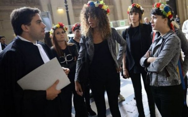 femen-tribunal_06