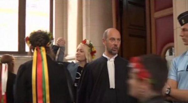 femen-tribunal_07