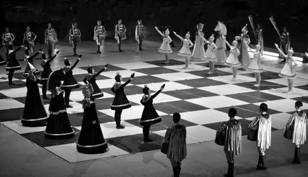 Human_chess_2
