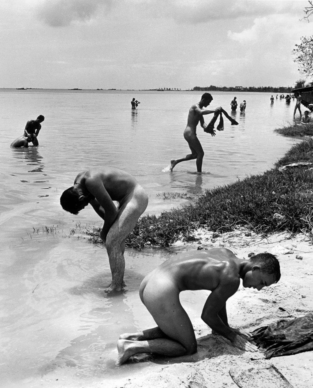 Рассказ купались вместе голыми 12 фотография