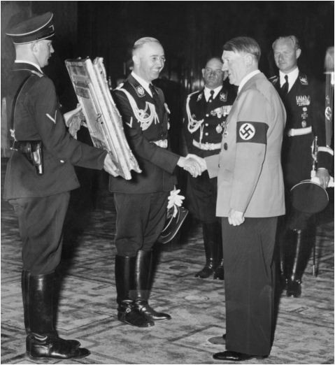 Adolf_Hitler's_50th_birthday-13