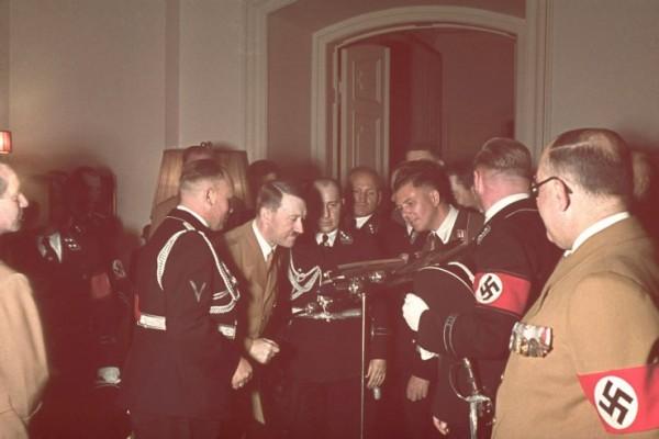 Adolf_Hitler's_50th_birthday-14