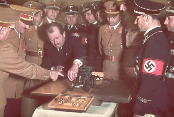 Adolf_Hitler's_50th_birthday-17