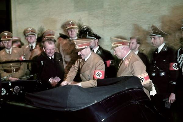 Adolf_Hitler's_50th_birthday-18